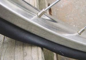 自転車の 自転車 パンク 原因 リム : タイヤにきちんと空気を入れ ...